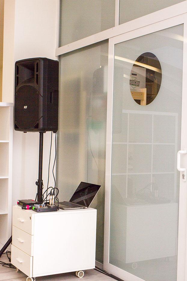 Аренда звукового оборудования с микрофоном